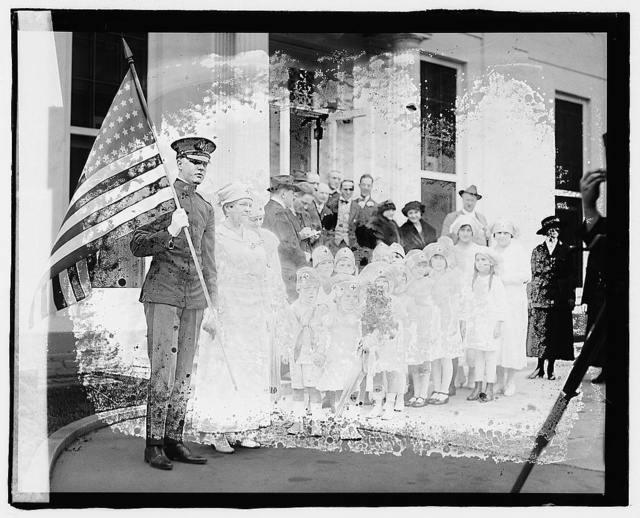 Red Cross kiddies at White House, [Washington, D.C.]
