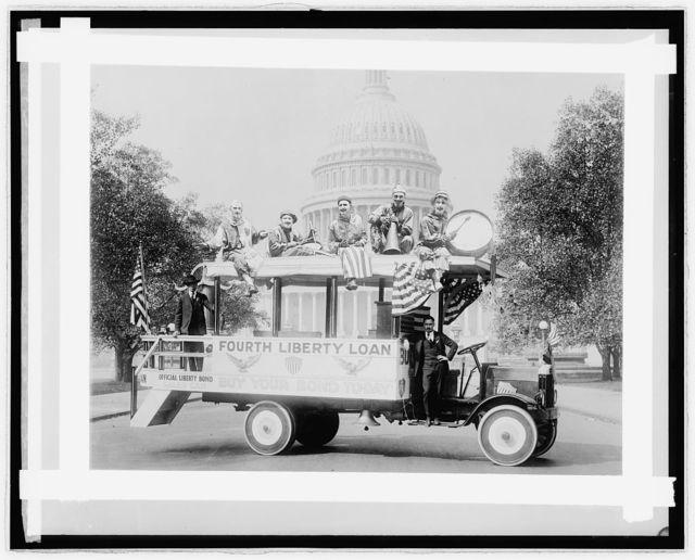 Semmes Motor Co., [Washington, D.C.], Liberty Loan Com. with clowns at Capitol