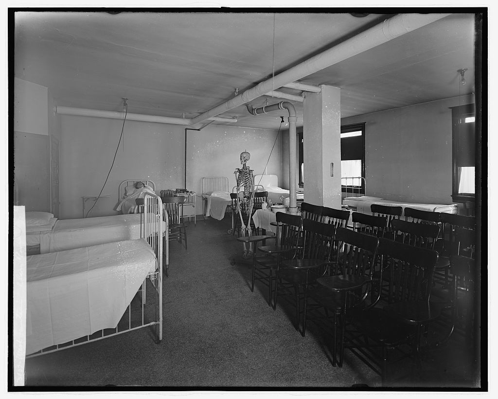 Wash. Sanitarium, [Takoma Park, Maryland], class room
