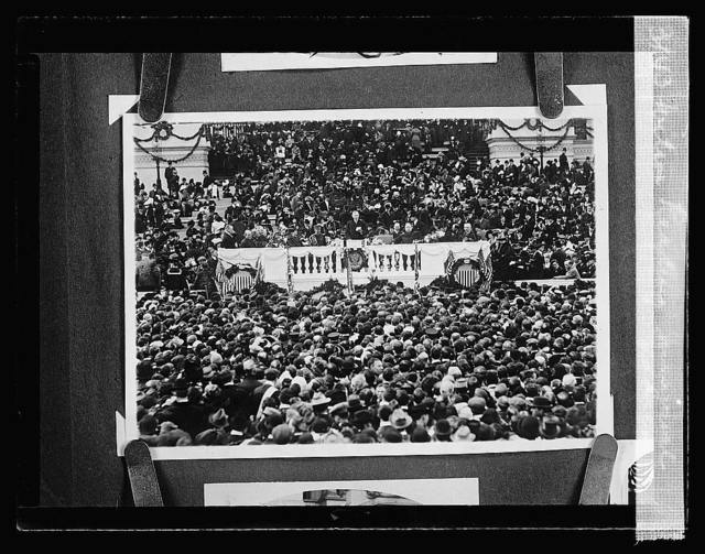 Wilson reading inaugural address