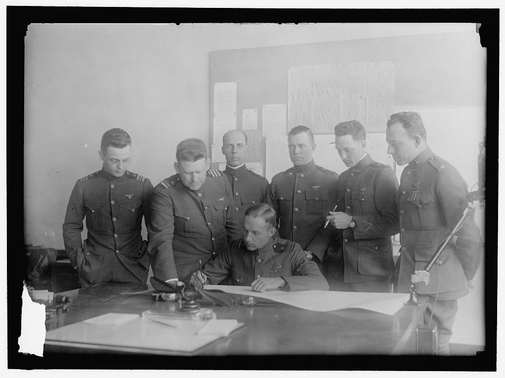 AVIATION, NAVY. TRANS-ATLANTIC FLIGHT AVIATORS: LT. COMDR. GODFREY deCHEVALIER; COMDR. HOLDEN C. RICHARDSON; UNIDENTIFIED, WHO IS AT RIGHT IN 30102; COMDR. JOHN H. TOWERS; SEATED: LT. COMDR. PATRICK N.L. BE