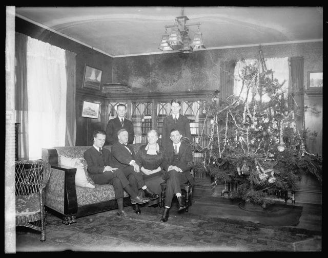 Daniels Christmas tree, [1919]