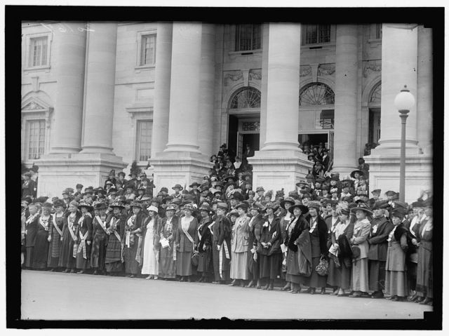 DAUGHTERS OF AMERICAN REVOLUTION. OPENING OF D.A.R. CONGRESS. FROM 2ND FRONT LEFT, MRS. MARY S. LOCKWOOD, PEN FOUNDER OF D.A.R. 4TH FROM LEFT MRS. J.A. VAN ORSDEL, HEAD OF CHILDREN OF AMERICAN REVOLUTION. 8TH FROM LEFT, MRS. GUERNSEY, PRESIDENT GENERAL