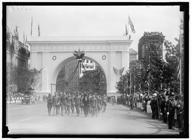 FIRST DIVISION, A.E.F. AMERICAN EXPEDITIONARY FORCES. MISCELLANEOUS VIEWS OF PARADE