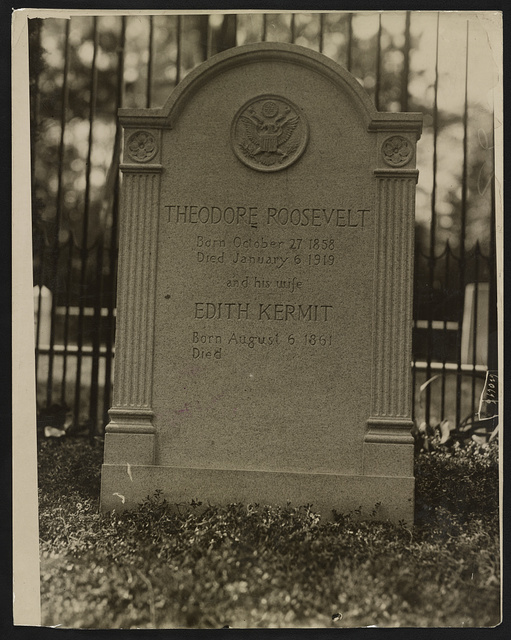 First photograph of the tombstone on Roosevelt's grave