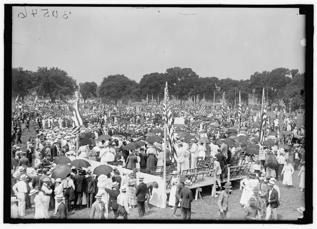 FOURTH OF JULY. GENERAL VIEW OF CROWD ON ELLIPSE FOR EXERCISES