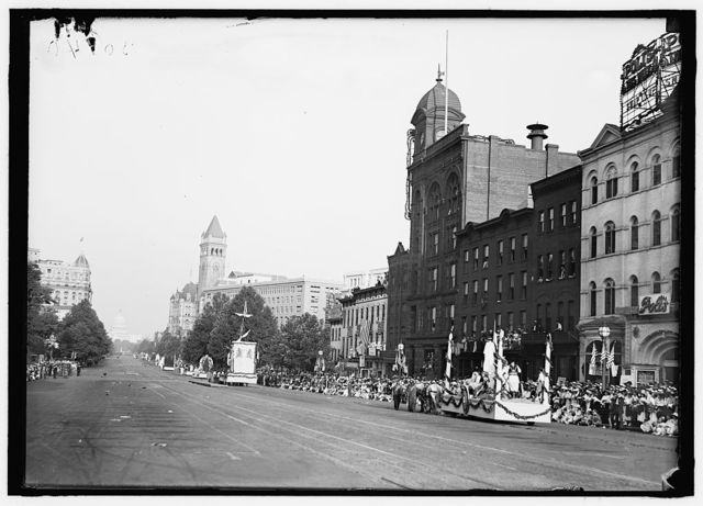 FOURTH OF JULY PARADES. GENERAL VIEW ON PENNSYLVANIA AVENUE