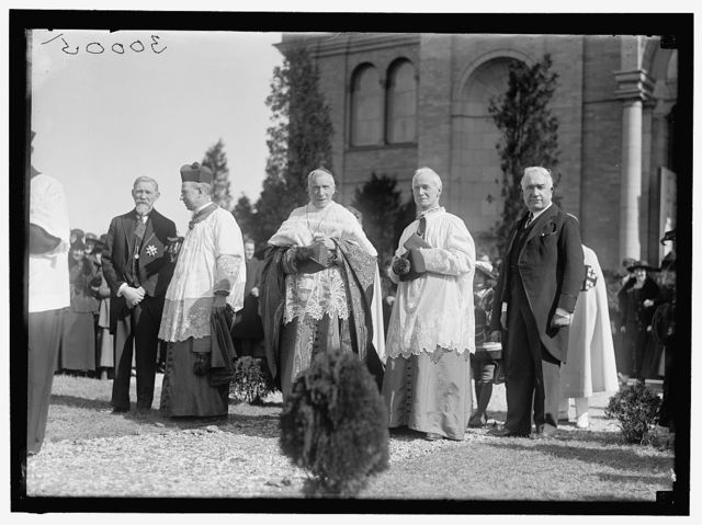 GIBBONS, JAMES, CARDINAL. EPISCOPAL JUBILEE FOR CARDINAL GIBBONS AT CATHOLIC UNIVERSITY. MONS. LEE OF ST. PATRICK'S CHURCH; GIBBONS; MONS. MACKIN. BOURKE COCHRAN IS LAYMAN AT RIGHT