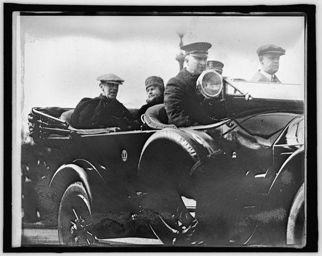 Pres. & Mrs. Wilson in car