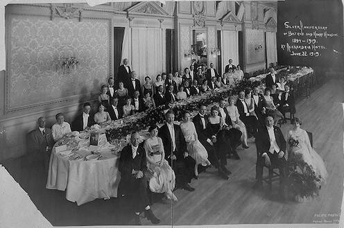 [The  Silver Anniversary dinner of Beatrice and Harry Houdini (1894-1919), Alexandria Hotel]