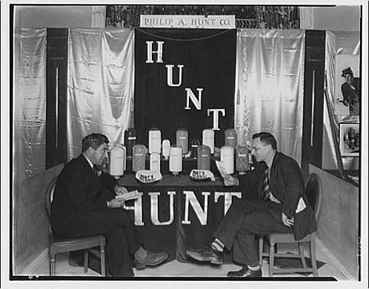 American Photoengravers Association convention. Philip A. Hunt Co. exhibit