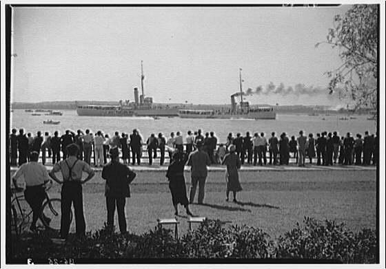 Boats. People watching regatta II