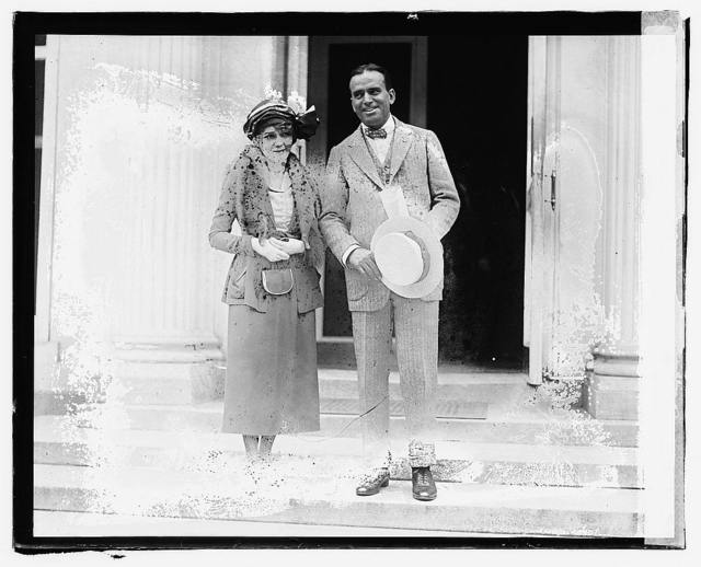 Doug. Fairbanks & Mary Pickford