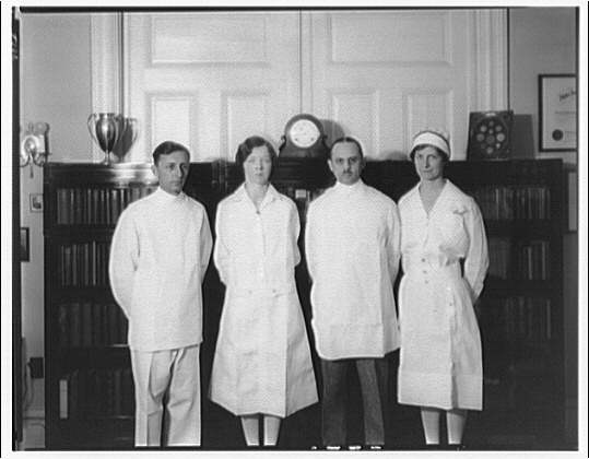 Dr. Oden, office and residence. Dr. Oden's office staff II
