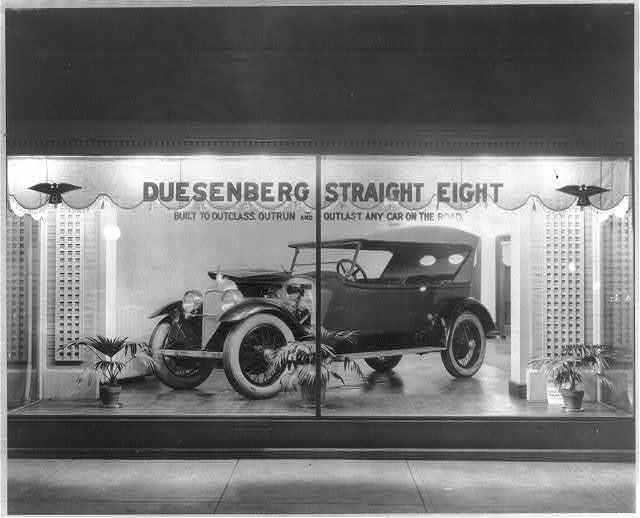 "Duesenberg Straight Eight, ""Built to outclass, Outrun and Outlast any car on the road"""