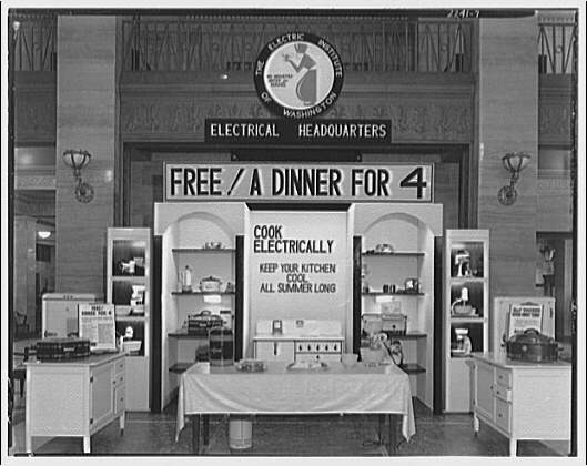 Electric Institute of Washington. Electric cooking utensils and displays III