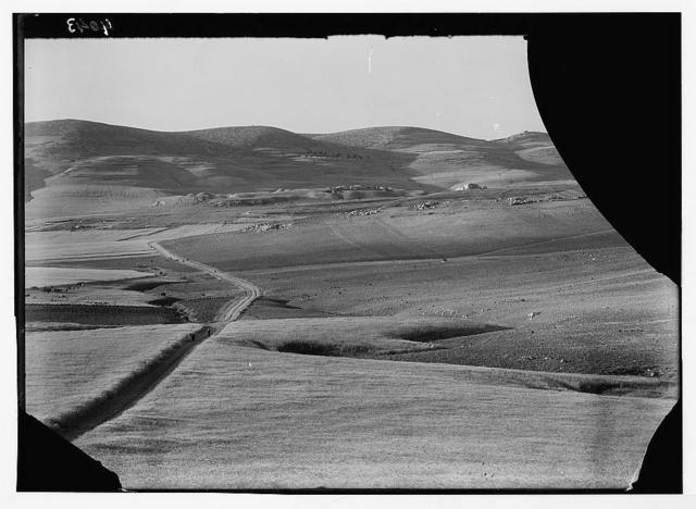 Excavations. Ain Shems (Beth Shemesh) on the Sharon Plain. Beth Shemesh from hills of Beit Jamal. Telephoto showing Zora to extreme right