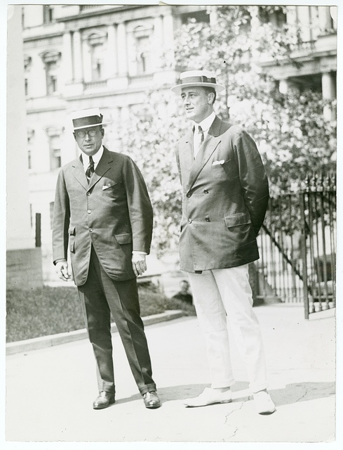 [Governor James M. Cox of Ohio and Franklin D. Roosevelt of New York, arriving at the White House for conference with the president]