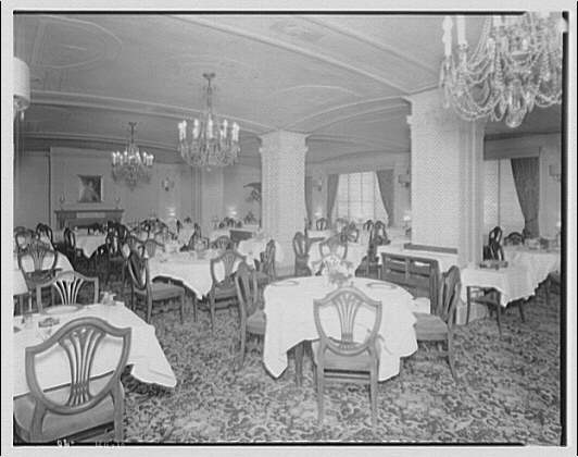 Hamilton Hotel, 15th and K Sts., N.W. Dining room in Hamilton Hotel