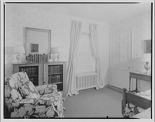 House at 4610 Reno Rd., F.J. Fisher Properties or Chevy Chase Land Co. Interior of house at 4610 Reno Rd. VIII