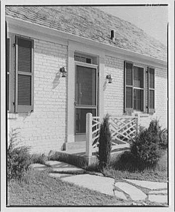 Houses by Schreier & Patterson, architects. Houses in Woodmoor, on Colesville Pike at Four Corners V