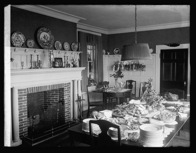 """Hunt breakfast, home of Geo. Slater, Upperville, Va. """"Rose Hill"""""""