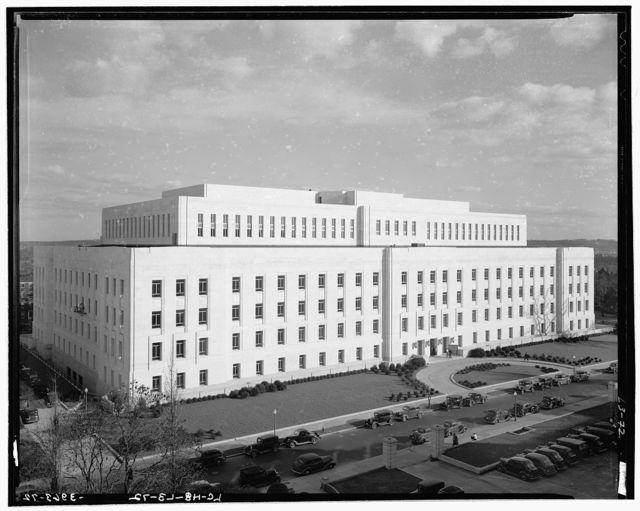 Library of Congress (John Adams Building). Library of Congress annex from roof of main library II