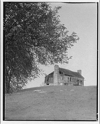Millwood, Virginia and Boyce, Virginia. Old house near Millwood, Virginia
