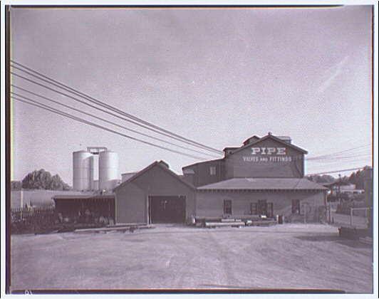 Noland Plumbing Co., Inc. Noland frame building in Rosslyn, Virginia II