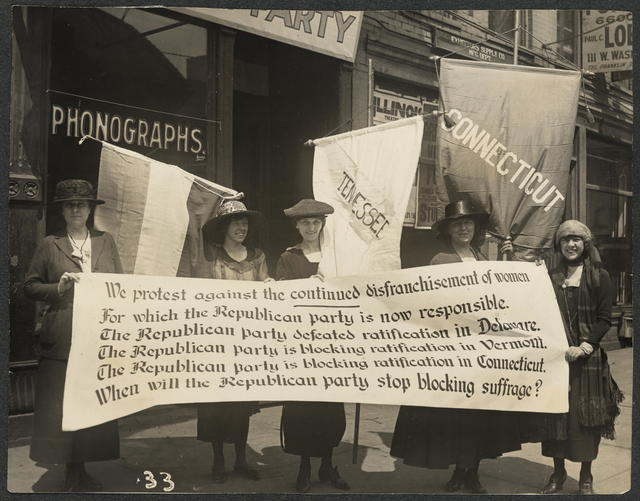 Party members picketing the Republican convention, Chicago, June 1920. L-R Abby Scott Baker, Florence Taylor Marsh, Sue White, Elsie Hill, Betty Gram.