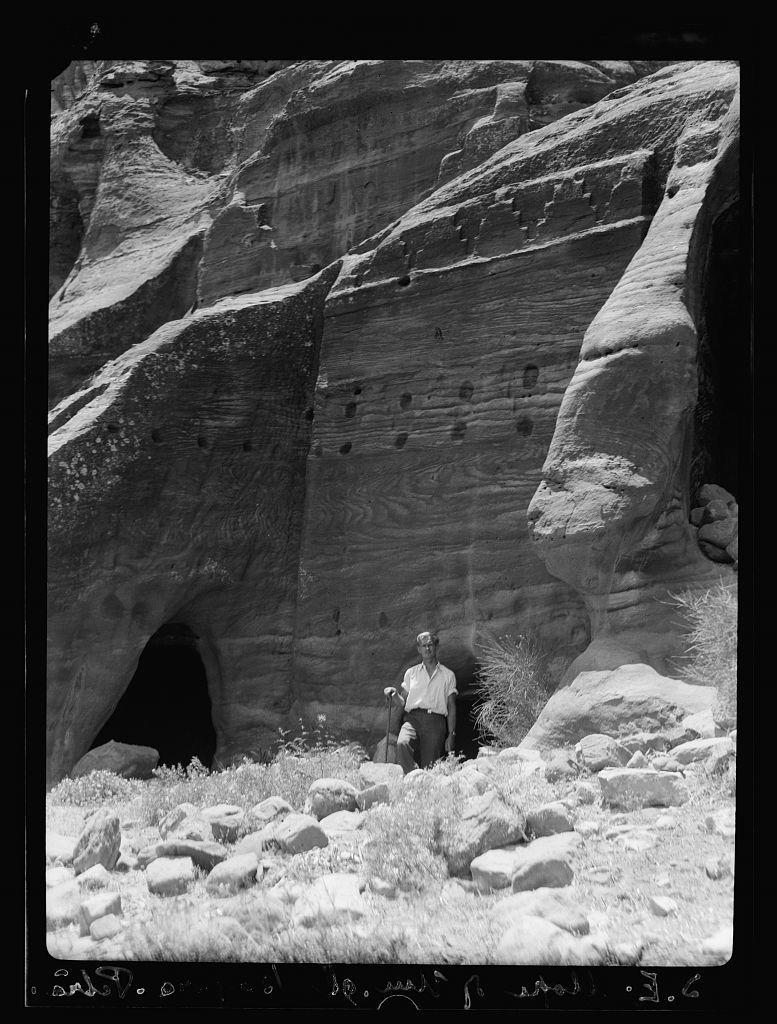 Petra. Umm el-Biyarah. (Earliest Nabatean stronghold). Unfinished tomb. Note socket holes for scaffold timbers
