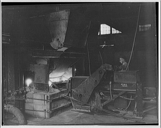 Pittsburgh Plate Glass Co. factory no. 12, Clarksburg, West Virginia. Pittsburgh Plate Glass Co. factory interior