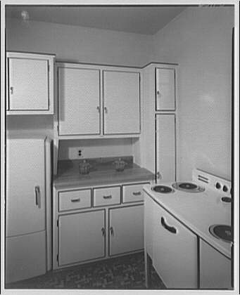 Potomac Electric Power Co. apartments and kitchens. Kitchen in apartment house on 16th St., N.W.