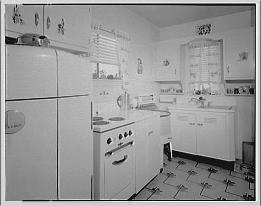 Potomac Electric Power Co. apartments and kitchens. Kitchen IV