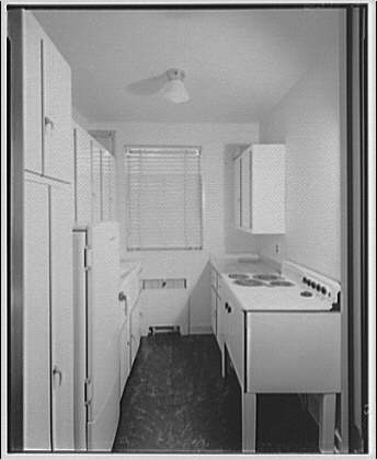 Potomac Electric Power Co. apartments and kitchens. Kitchens in an apartment I
