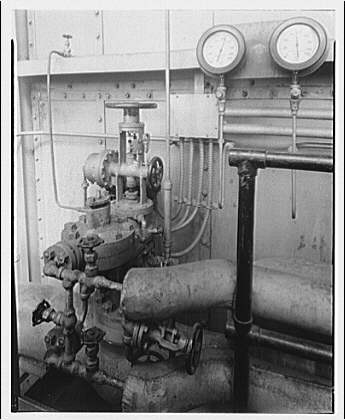 Potomac Electric Power Co. Buzzard Point plant. Feed water regulator for boiler no. 6 at Buzzard Point plant I