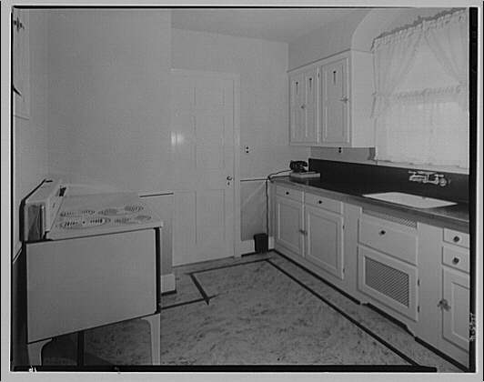 Potomac Electric Power Co. houses and kitchens. Kitchen at 14 E. Leland St., Chevy Chase, Maryland