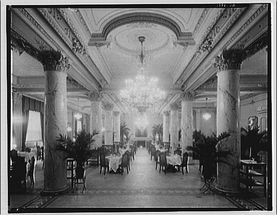 Raleigh Hotel. Dining area in Raleigh Hotel, with columns and chandelier