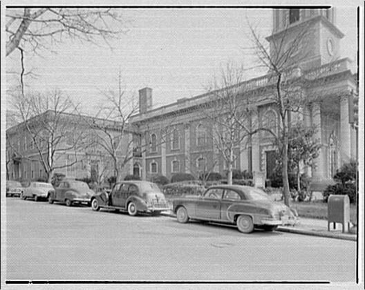 Robert F. Beresford, architect, 810 18th St. N.W. Site for cars by Unitarian Church