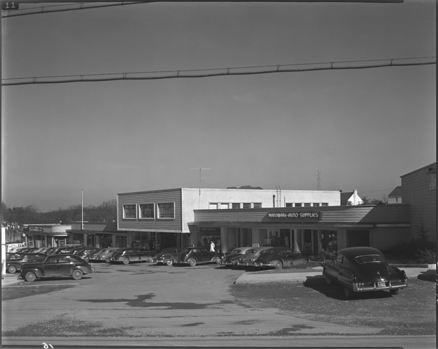Schreier & Patterson, architects. Four Corners shopping center I