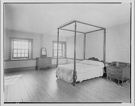 Stratford Hall. Bedroom on lower floor at Stratford Hall
