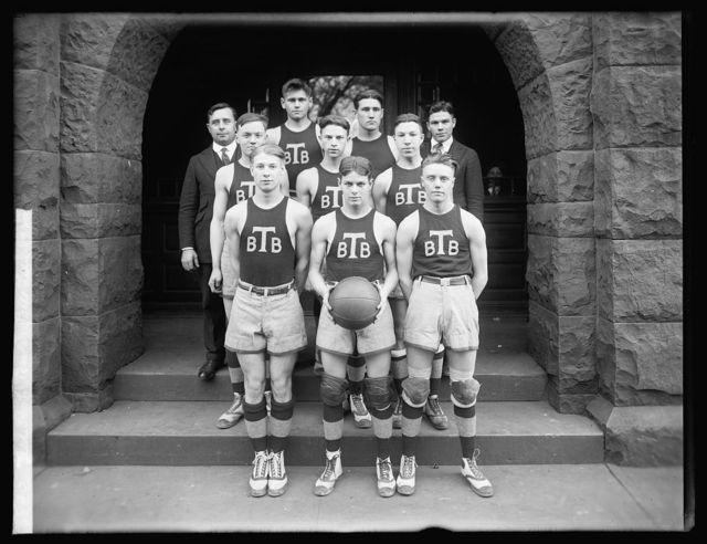 Tech High baseketball team, 1920