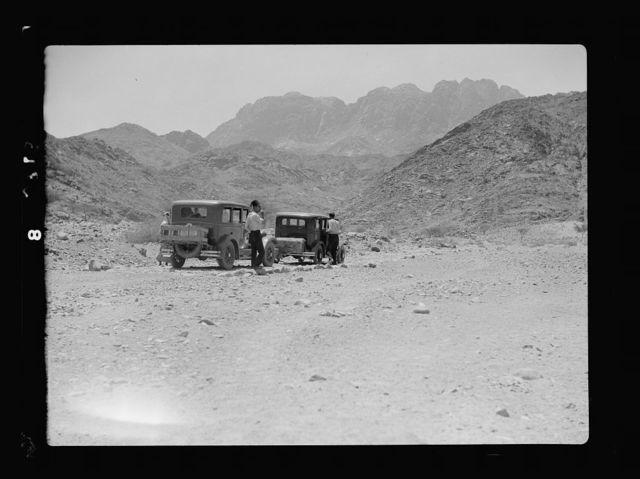 To Sinai by car. Wadi Feiran. A halt on the way