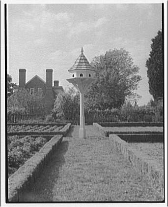 Wakefield, Washington's birthplace. Birdhouse in garden at Wakefield