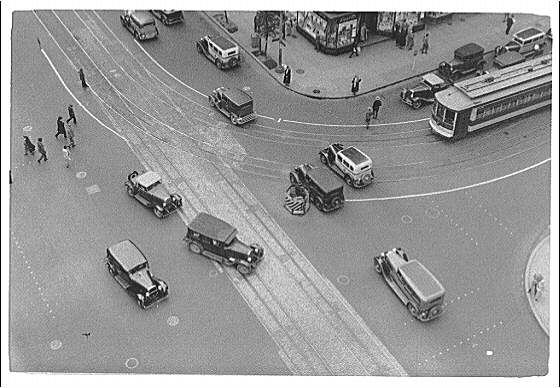 Washington, D.C. Traffic and pedestrians from above