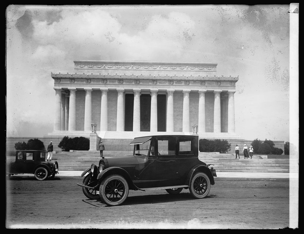 Wescott coupe [in front of Lincoln memorial, Washington, D.C.]
