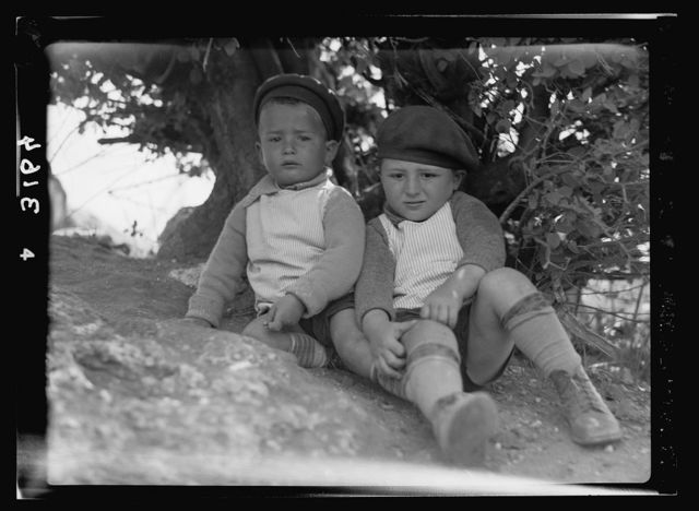 Zionist colonies on Sharon. Ben Shemen, two young pioneers. Two healthy kiddies