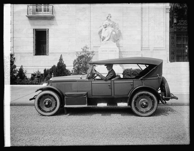 Auburn car