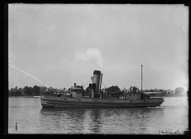 [Firefighter boat]