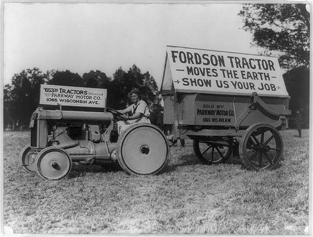 Fordson tractor sold by Parkway Motor Co. of Washington, D.C.